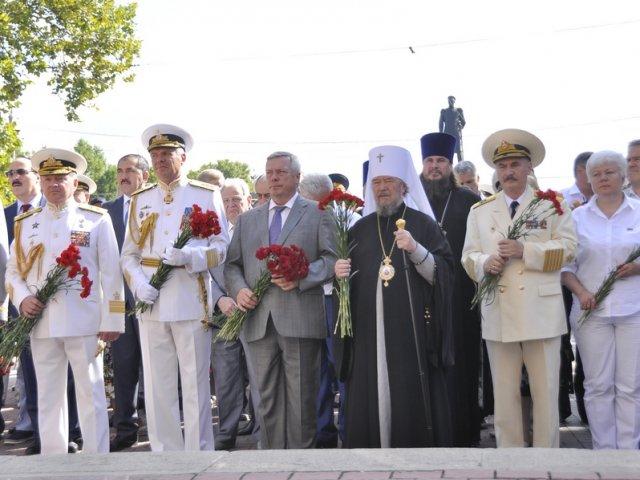 Митрополит УПЦ відсвяткував у Севастополі день військово-морського флоту Росії