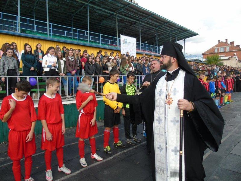 37 футбольних команд катехитичних шкіл Коломийської єпархії УПЦ КП змагалися за вихід у фінал
