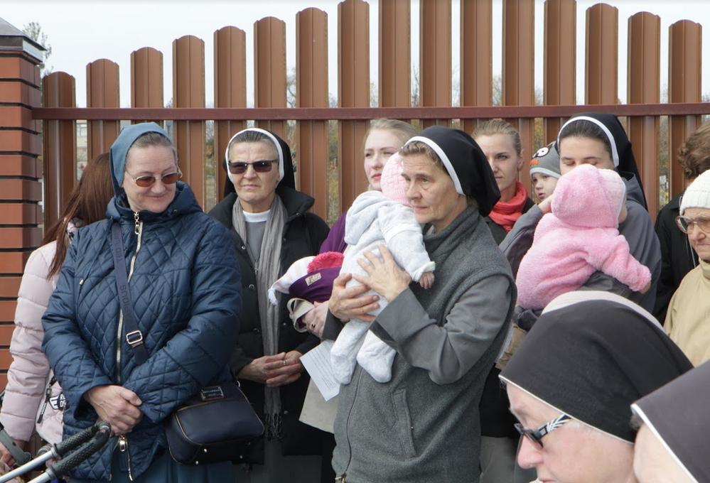 Римо-католики відкрили під Харковом вже другий будинок для самотніх матерів