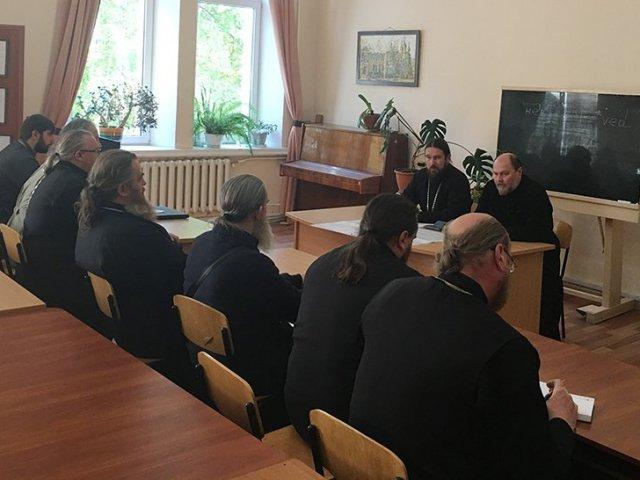 Священник УПЦ освятил центр особого назначения Черноморского флота РФ