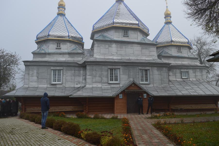 Суд зобов'язав поліцію Коломиї розпочати кримінальне провадження щодо спірного храму