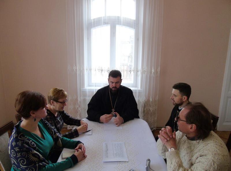 Єпископ УПЦ КП зустрівся з журналістами з приводу переходу парафій УПЦ (МП) до Київського Патріархату