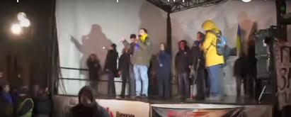 Михаила Саакашвили, задержанного в центре Киева, окормляет священник