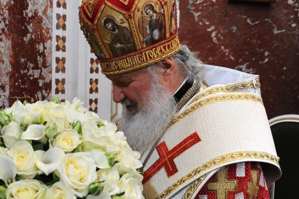 На цветы к дню рождения патриарха Кирилла приходы Москвы ежегодно тратят около 1,7 миллионов рублей