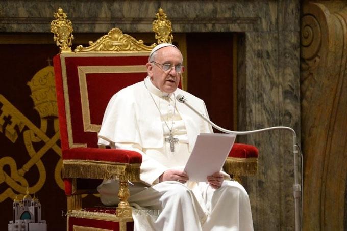 Папа Франциск закликав дипломатів до «спільних та негайних зусиль» для допомоги Україні