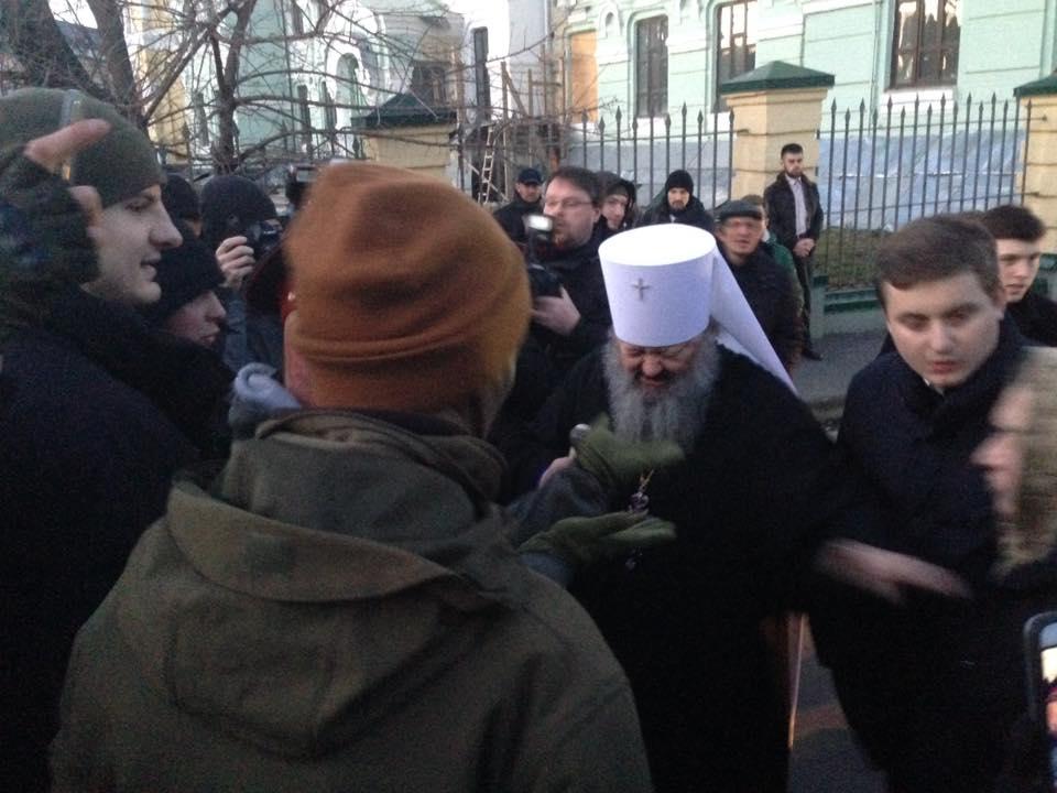 Отказ священников УПЦ (МП) отпевать младенца, крещенного в УПЦ КП, вызвал волну конфликтов в Украине
