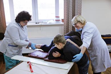 Мусульмани Києва зібрали 9 літрів крові та гроші на реабілітацію хворого сироти