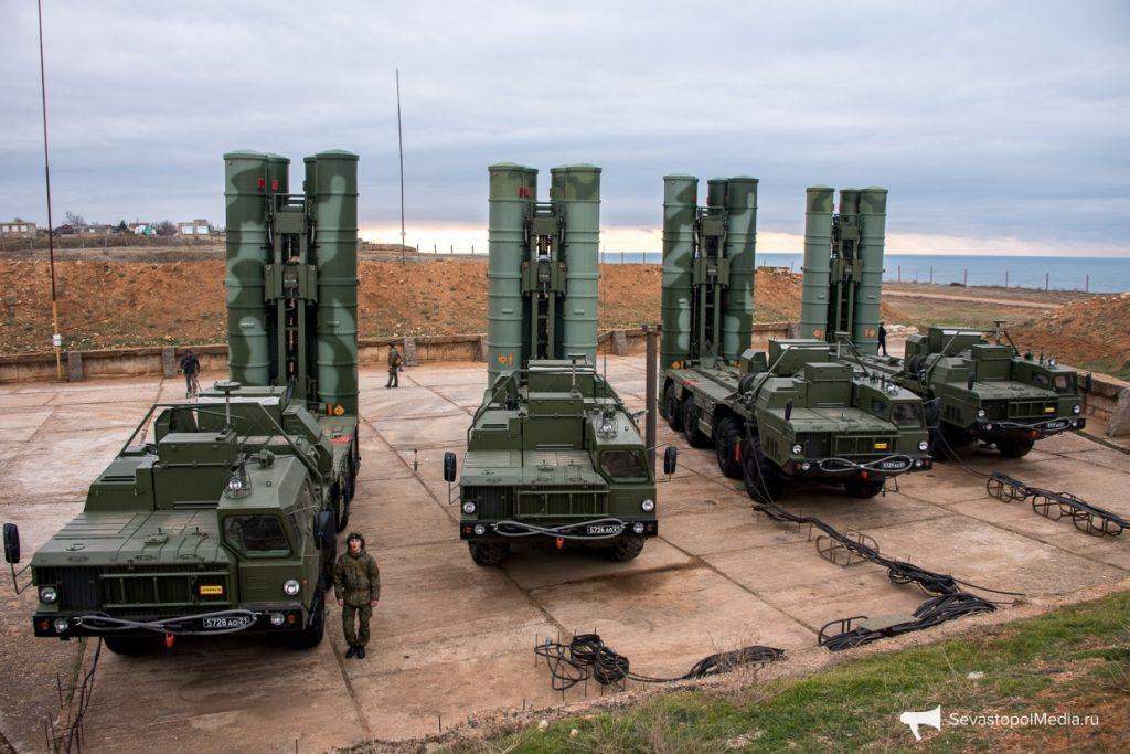 У Криму клірики УПЦ вчергове освятили російський зенітно-ракетний комплекс, який вийшов на бойове чергування