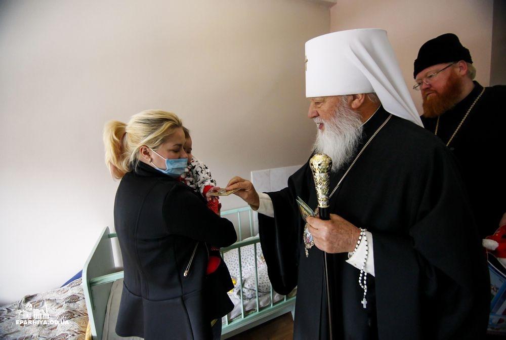 Одесский митрополит Агафангел запретил духовенству запрещать верующим вакцинировать детей