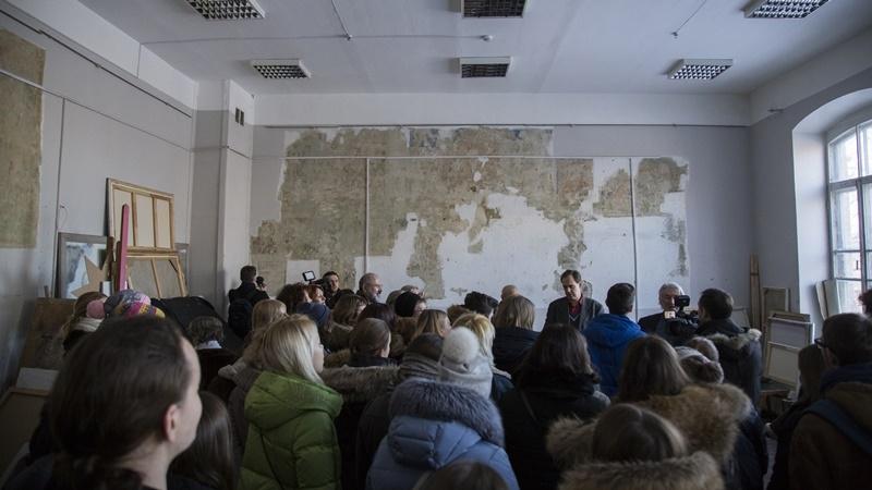 Киянам показали єдині збережені у столиці фрески бойчукістів