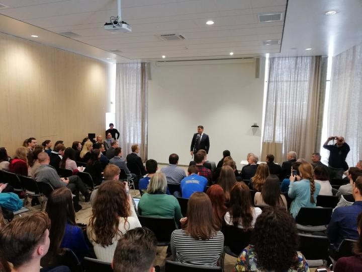 Студенти Українського католицького університету зустрілися з прем'єр-міністром України