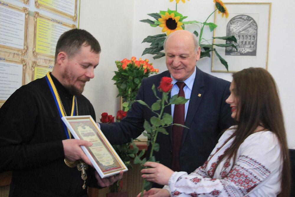 Священики УПЦ КП та УГКЦ стали на Тернопільщині «Людиною року-2017»
