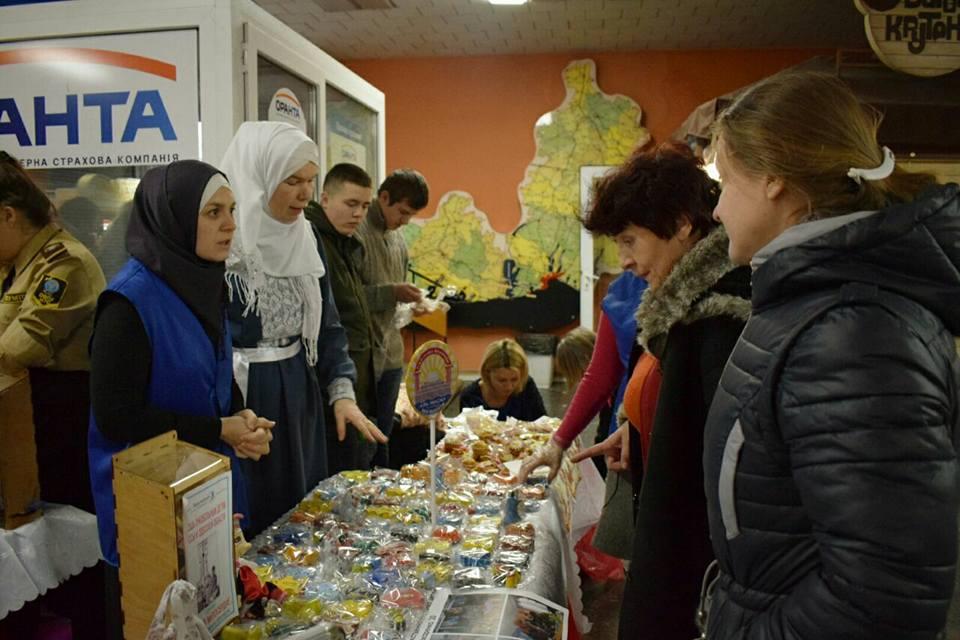 Мусульманки Одеси зібрали 10 000 грн на медапарат для онкохворих дітей