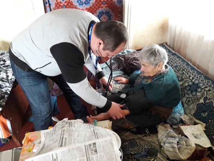 Греко-католики надають медико-соціальний супровід мешканцям буферної зони на Донбасі