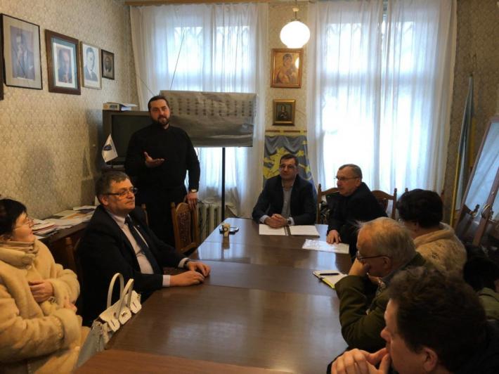 Священик УГКЦ представив ідеї проектів співпраці з Українським лікарським товариством