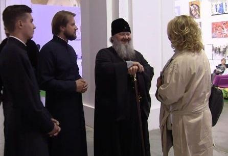 Наместник Киево-Печерской лавры благословил собрания в монастыре женского клуба