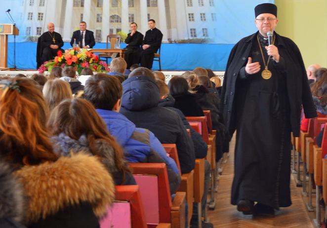 Єпископ УГКЦ виступив перед студентами Львівського національного університету ветеринарної медицини та біотехнологій