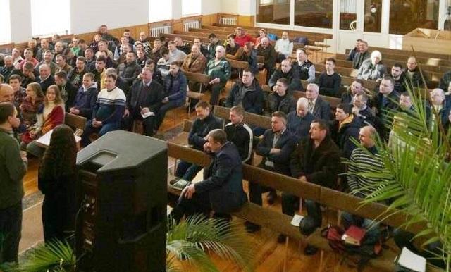 Баптисти України розповіли про досвід служіння палаточної євангелізації «Світло на Сході»