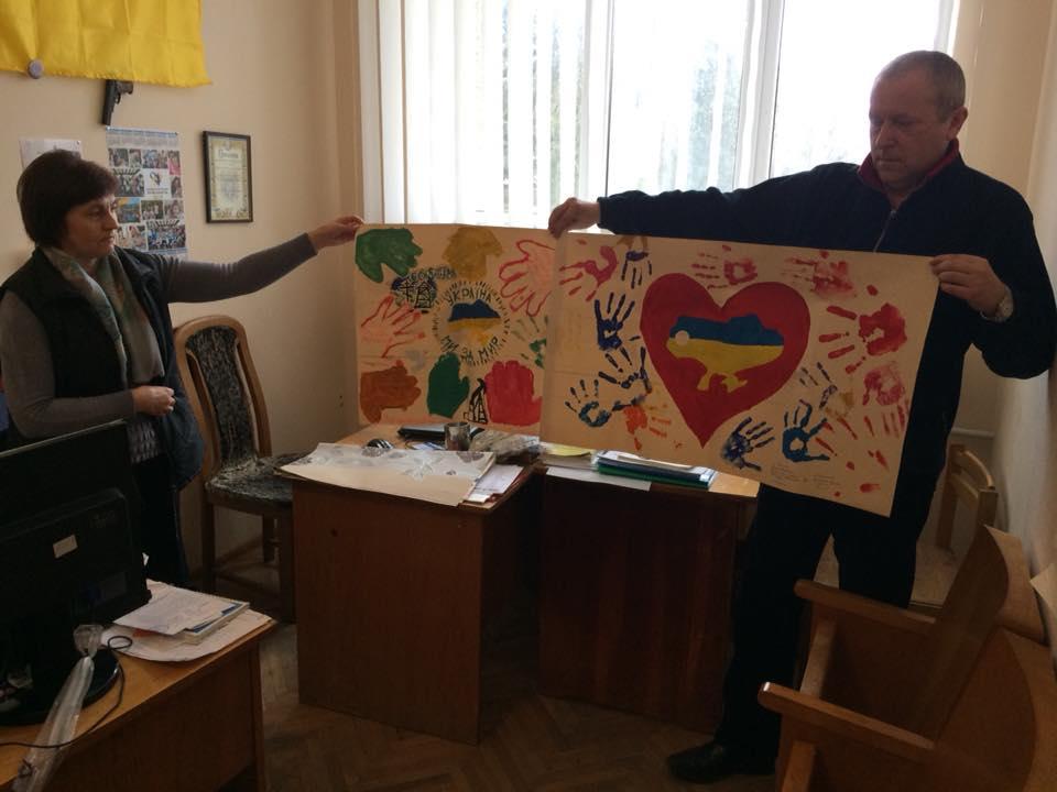 Львівська єпархія УПЦ передала воїнам на схід ікони, свічки та дитячі малюнки