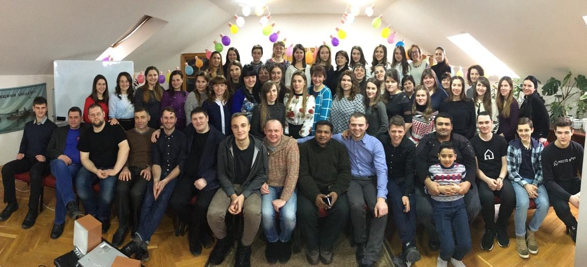 Протестанти-євангелісти охопили проектами 100 тисяч дітей з невіруючих сімей України, однак лише 5,6% з них залишилися при церквах