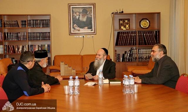 Евреи Днепра поздравили армян с открытием церкви