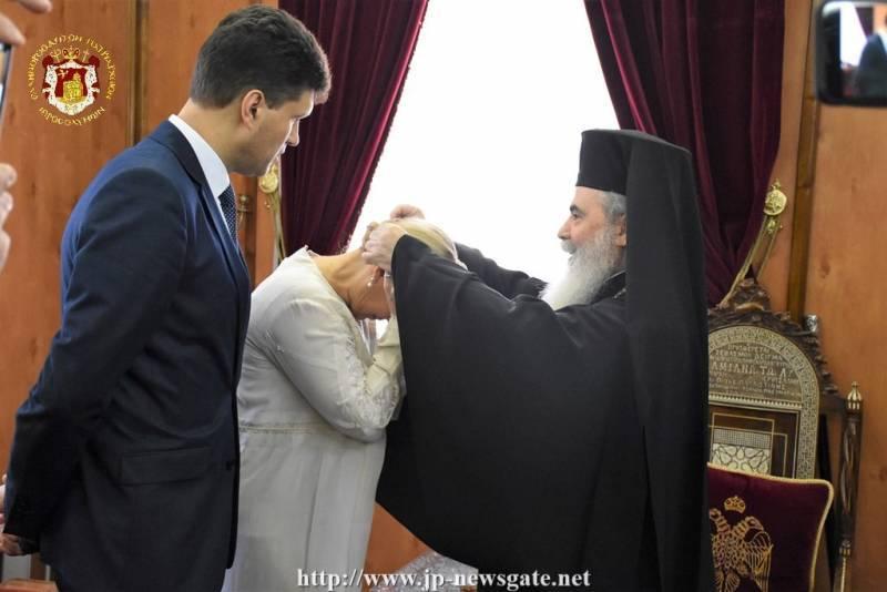 Тимошенко в Иерусалиме получила благословение от патриарха и рассказала, как собирается вернуть мир Украине