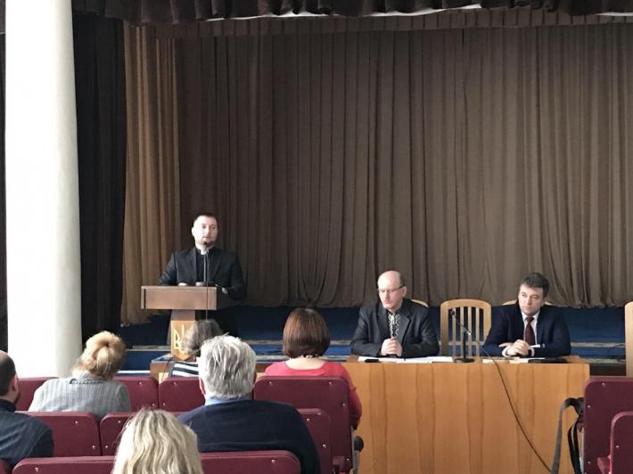 Капелан УГКЦ представив на семінарі Міністерства освіти концепцію воцерковлення дитячо-юнацької гри «Сокіл» («Джура»)