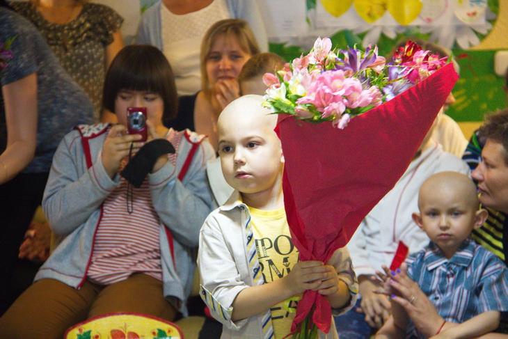 Сумська єпархія УПЦ разом з журналістами зібрала понад 800 тис грн для онкохворих дітей