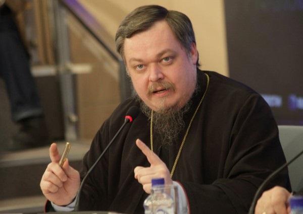 «Мы совершенно не боимся разрушения крупных городов». Влиятельный священник РПЦ призвал Россию поступить с Украиной как с Сирией