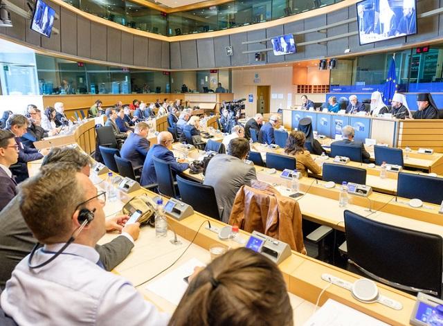 Глава УПЦ КП у Європарламенті закликав стримувати російську агресію — політичну і церковну