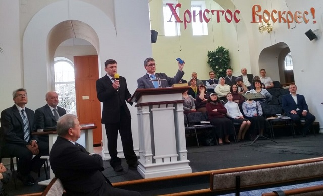 У Харкові поширили 54 тис. примірників Нового Заповіту