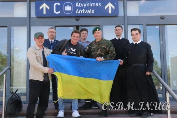 Захисники Донецького аеропорту та герої фільму «Кіборги» завітали до монастиря УГКЦ у Вільнюсі