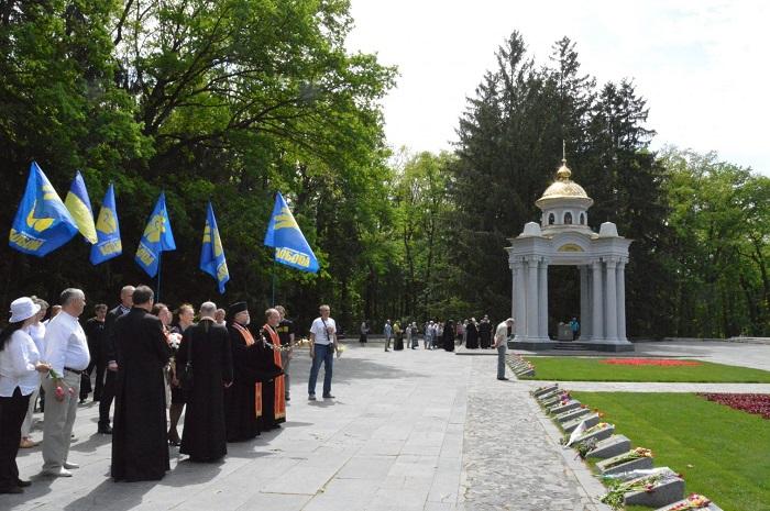 У Харкові духовенство УПЦ завадило іншим конфесіям вшанувати жертв Другої світової війни