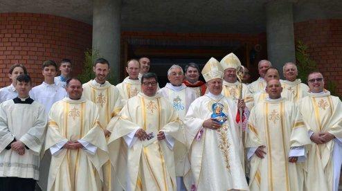 На Запоріжжі католики освятили новозбудований храм