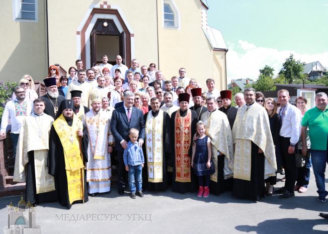 Президент України взяв участь у міжконфесійному молебні у Вишгороді