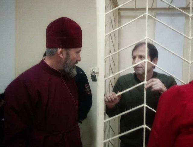 Архиепископ УПЦ КП призвал Путина освободить украинских политзаключеннных