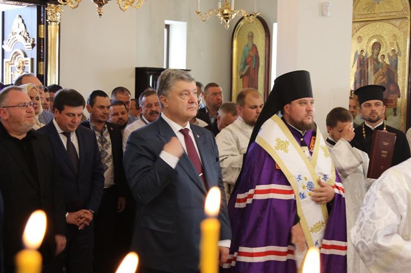 Президент України у Дніпрі взяв участь у молебні за Україну та єдину Церкву
