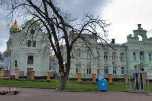 Выселение инфекционной клиники из Киево-Печерской лавры стоило жизни 5 пациентам