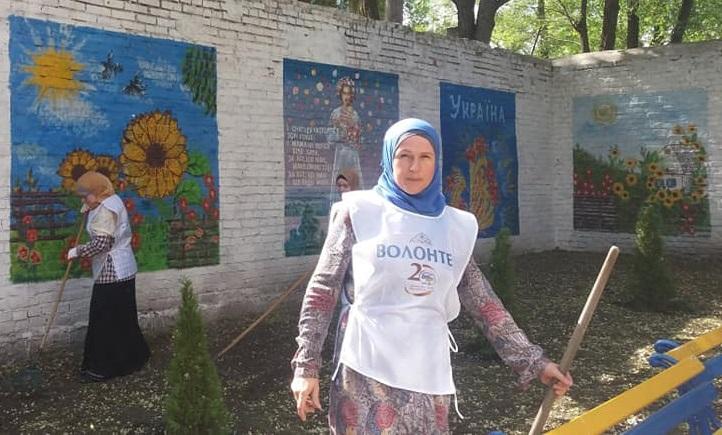 Мусульмани та християни разом облаштували територію Харківського військового шпиталю