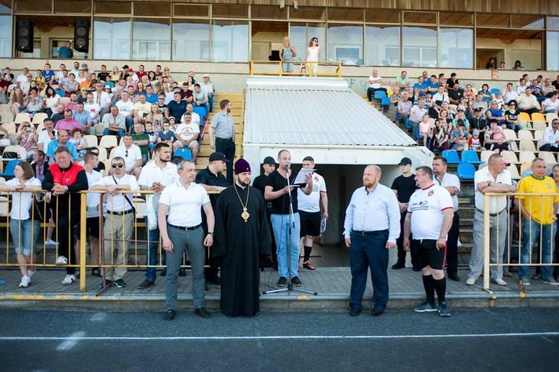 Футбольний матч у Рівному між командами єпархії УПЦ КП і міськради зібрав більше 100 000 грн на лікування дітей