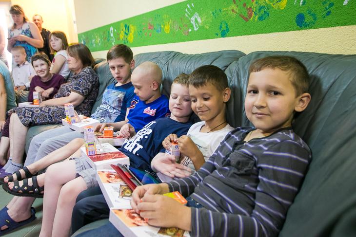 УПЦ закупила на Сумщині майже на мільйон гривень ліків для онкохворих дітей, а на Запоріжжі зібрала понад 2 т донорської крові