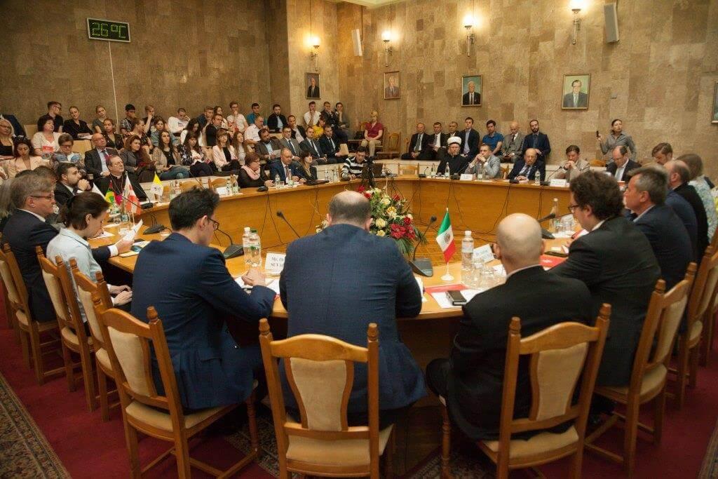 На міжнародній конференції в Києві розповіли про соціальне служіння церков під час війни
