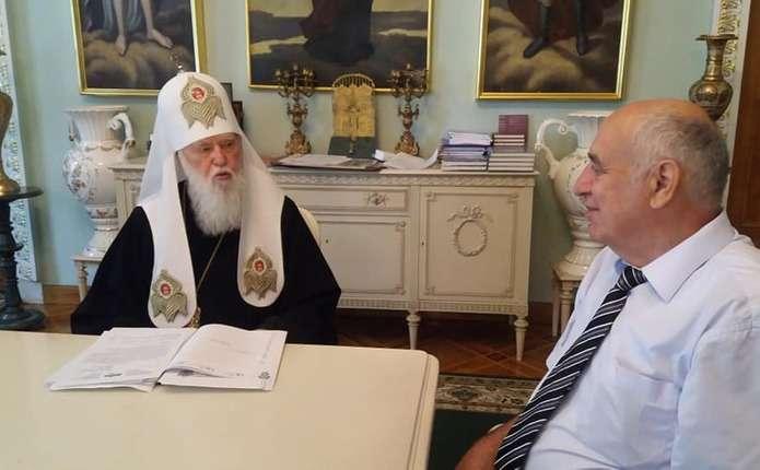 Патріарх Філарет стане Почесним доктором Чернівецького національного університету