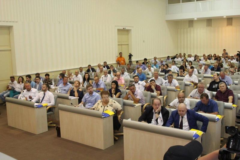 Дніпропетровська обласна рада підтримала звернення про автокефалію Української Церкви