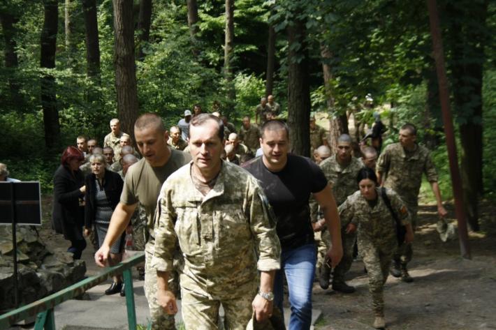 30 000 паломників УГКЦ разом з військовими молились за мир в Україні