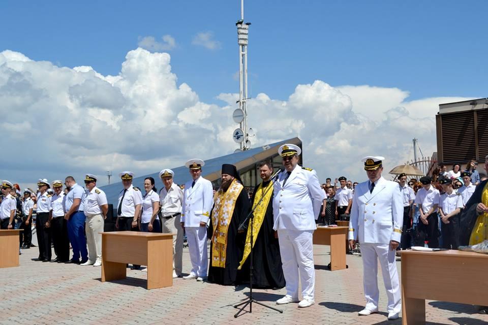 Єпископ УПЦ КП благословив випускників Морехідного коледжу Одеської морської академії