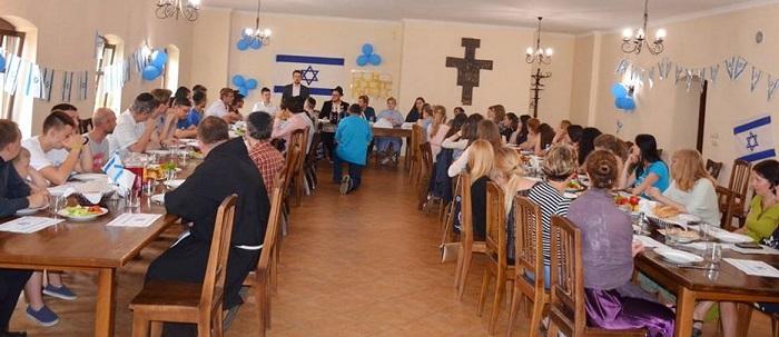 Украинская, еврейская, крымскотатарская и польская молодежь провели межрелигиозный семинар