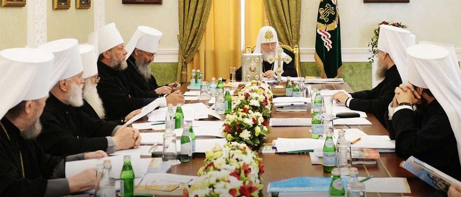 Синод РПЦ послал верующим надежду на бессрочную юрисдикцию РПЦ над Украиной