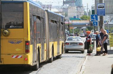 В киевской лавре хотят провести молитву за снижение цен на общественный транспорт