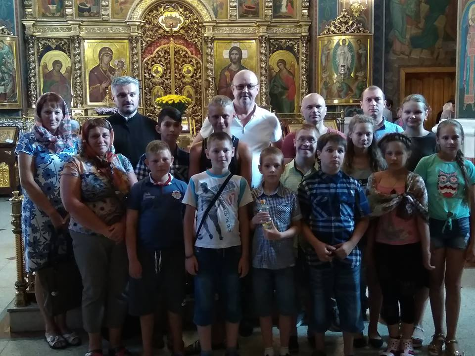 Військові АТО разом з єпархією УПЦ організували літній відпочинок для дітей з Донбасу
